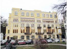 Офисное здание ПАТ «Киевэнерго» по адресу: г. Киев, пл. И. Франка, 5